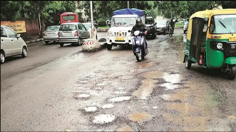 Accident prone bad roads in Chandigarh