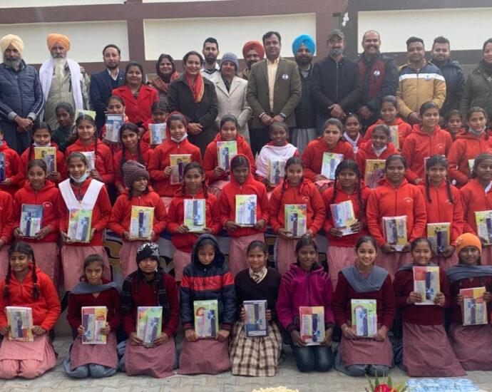 "Mayank Foundation celebrated Lohri with Theme ""Beti Padhao Beti Bachao"""